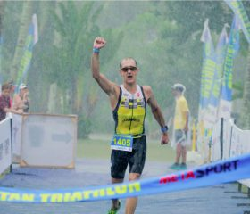 James-middleditch-nearing-finish-line-in-the-rain